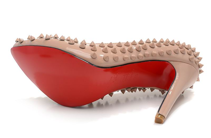 chaussure rouge louboutin